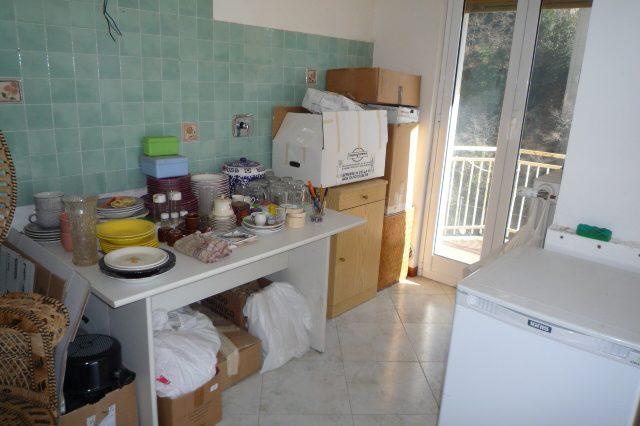 Rapallo - Appartamento Ristrutturato Con 2 Camere 004