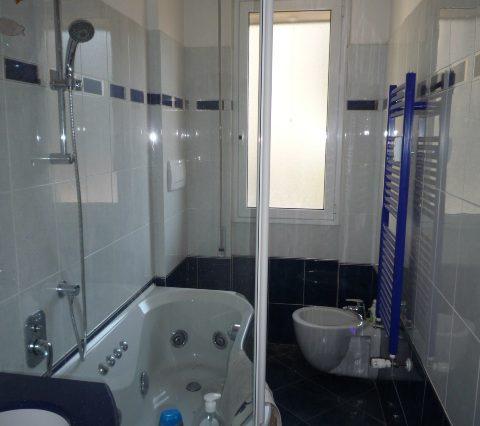 Rapallo - Appartamento Ristrutturato Con 2 Camere 007