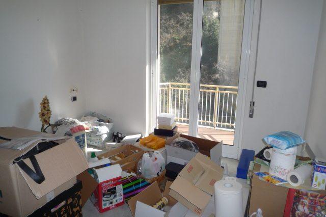 Rapallo - Appartamento Ristrutturato Con 2 Camere 011
