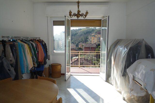 Rapallo - Appartamento Ristrutturato Con 2 Camere 015
