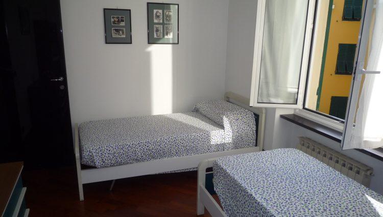 Rapallo Affitto Zona Parco - Camera 2 (2)