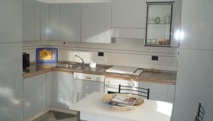 Rapallo Affitto Zona Parco - Cucina (1)