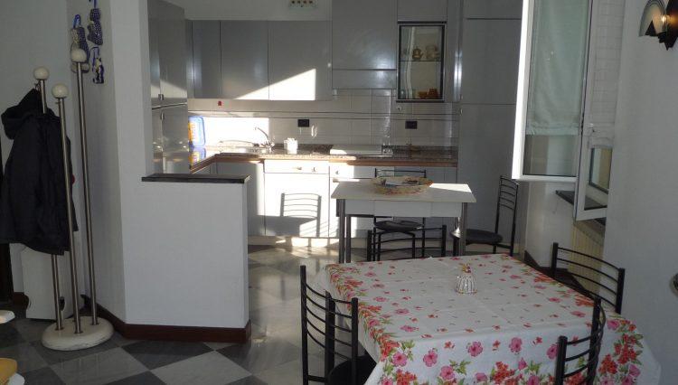 Rapallo Affitto Zona Parco - Sala (11)