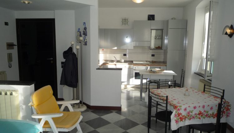 Rapallo Affitto Zona Parco - Sala (12)