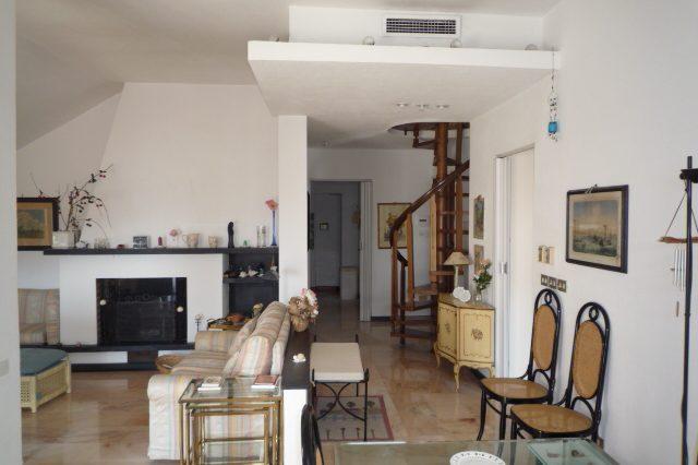 rapallo-attico-vista-mare-con-3-camere-da-letto-006