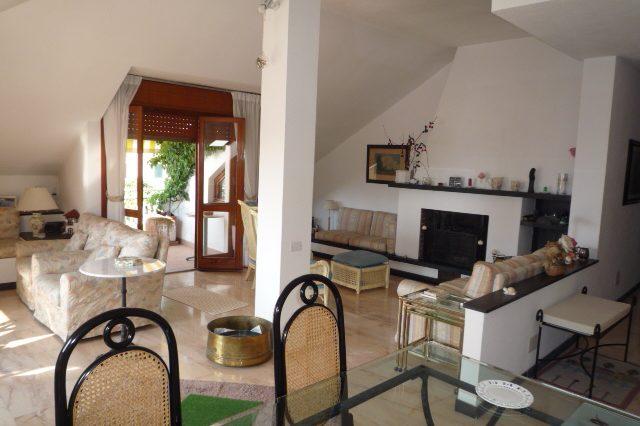 rapallo-attico-vista-mare-con-3-camere-da-letto-012