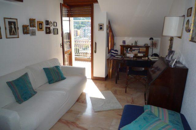 rapallo-attico-vista-mare-con-3-camere-da-letto-016