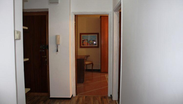 Rapallo - Vendesi Appartamento Centrale - Ingresso 3