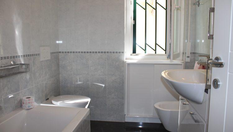 Appartamento Zona Porto - Bagno 1